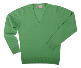 Wendi, Couleur Topiary Green, Pull col V en 100% lambswool - Vêtements laine geelong